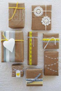 Proč zabalit dárky s láskou, aneb co víc už můžeme k Vánocům darovat?
