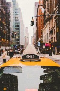 Nabírá cesta taxi jen zábavně snobský rozměr?