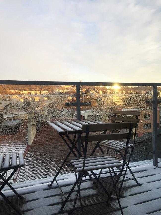 Zasněžená Praha, kafe s labutí a náš první zážitek únikové hry